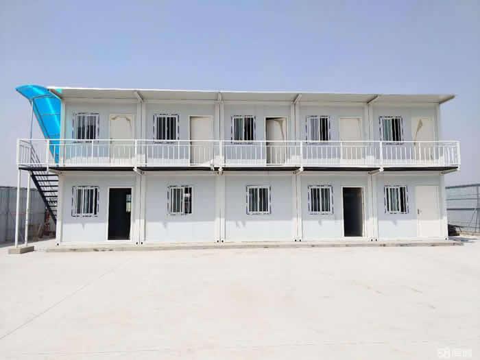 集装箱房与彩板房的板房造价对比-性能对比