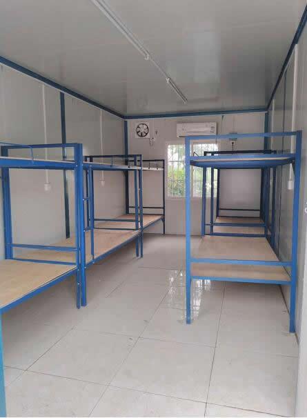 集装箱和彩钢房