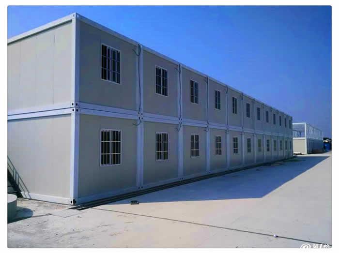 移动彩钢房和集装箱