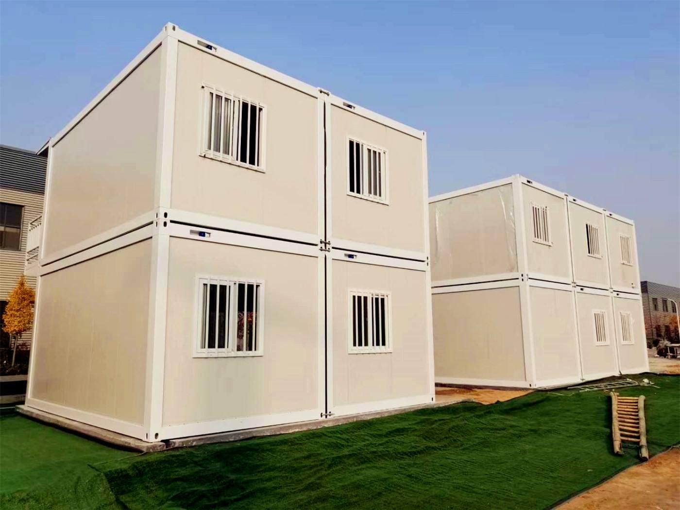 防火保温的良好性能为客户提供优质安全的拼装式集装箱房。